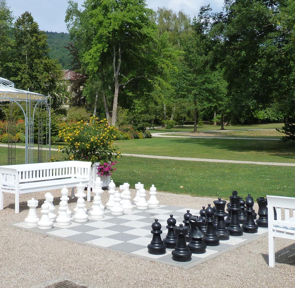 Bad Brückenauer Park mit Schachspiel